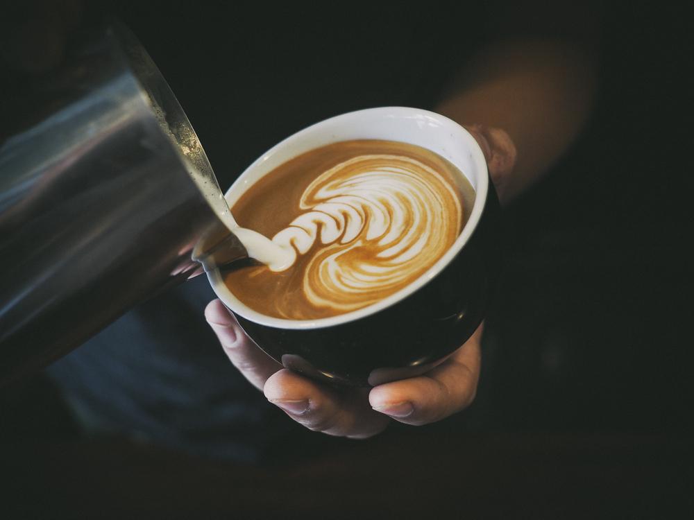 Zubereitung eines cremigen Cappuccinos