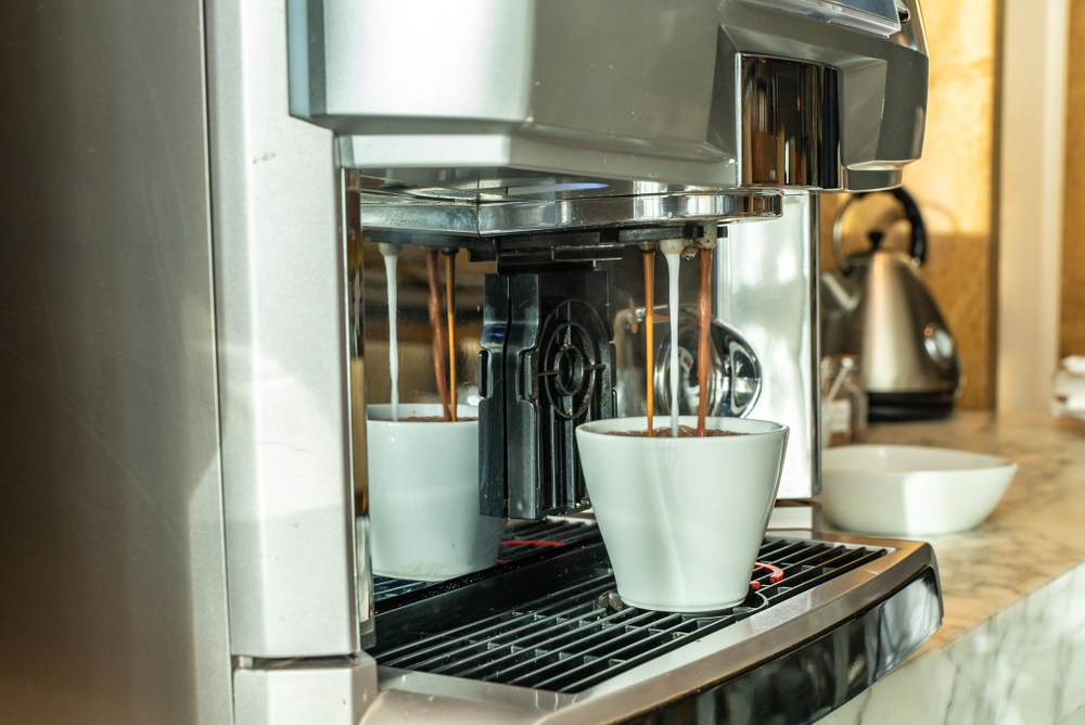 Kaffeevollautomat mit Milchsystem