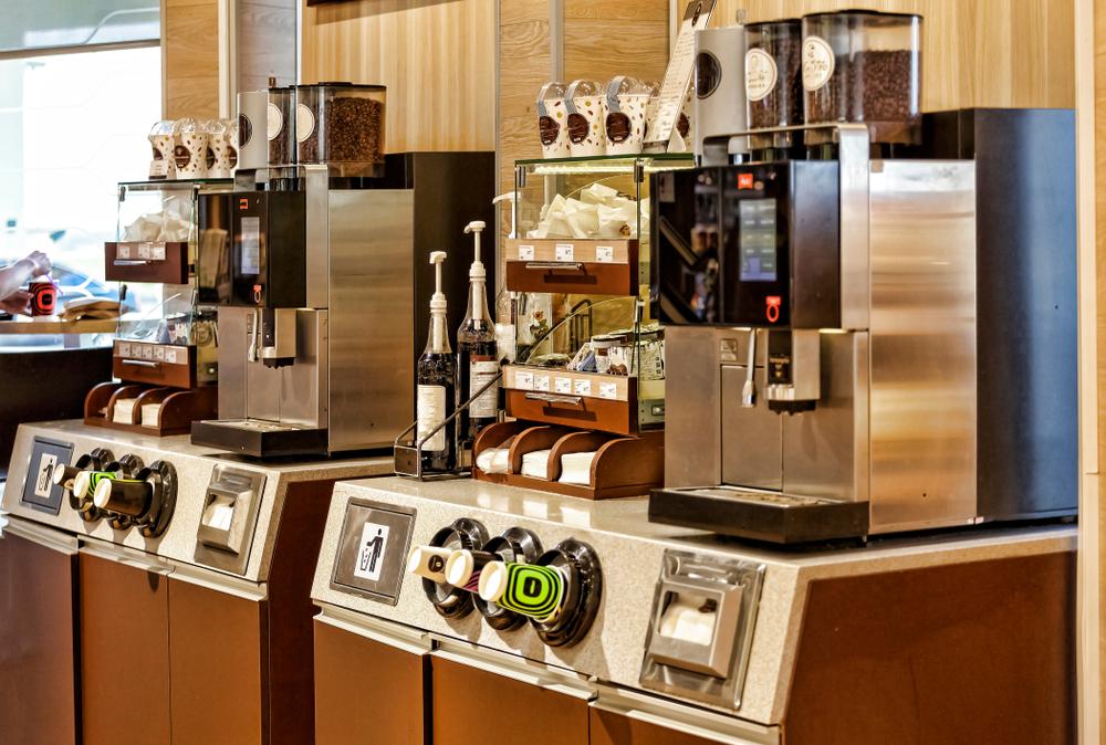 SB-Station mit Kaffeevollautomat